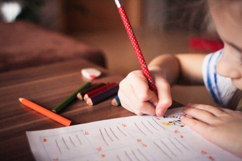 親は大忙しの自宅待機!でもあなたの子どもは「休校」によって天才になる?